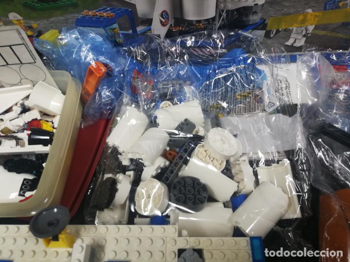 Juegos construcción - Lego: LEGO CITY 60080 TRANSBORDADOR ESTACION ESPACIAL Y TRAILER POLICIA - Foto 7 - 203400255