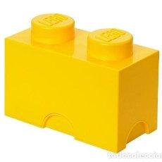 Juegos construcción - Lego: CAJA DE ALMACENAMIENTO CON FORMA DE LEGO 1X2 EN COLOR AMARILLO. NUEVA.. Lote 212898485