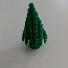 Juegos construcción - Lego: LEGO DIFICIL PINO GRANDE 3471 VERDE 1472 6066 6081 6592 6380 5221 2435 DIORAMA BOSQUE CIUDAD NAVIDAD. Lote 221309465
