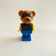 Juegos construcción - Lego: ANTIGUA FIGURA MUÑECO DE LEGO FABULAND OSO-MAPACHE. Lote 222424871