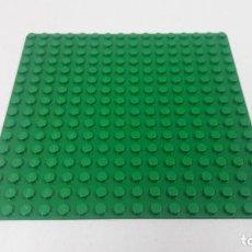 Juegos construcción - Lego: BASE VERDE . ORIGINAL DE LEGO . MEDIDA DE FRENTE 12.6 CM FONDO 12,6 CM. Lote 222468553
