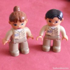 Juegos construcción - Lego: PAREJA DE CUIDADORES DEL ZOO - FIGURAS - LEGO DUPLO. Lote 225100563