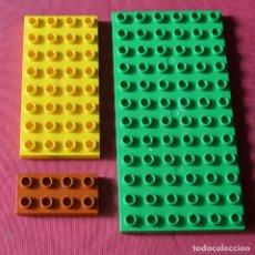 Jeux construction - Lego: 3 PLACAS LEGO - VERDE 6 X 12 - AMARILLA 4 X 8 - MARRON 2 X 4 - LEGO DUPLO. Lote 225102035