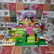 Juegos construcción - Lego: LEGO FRIENDS FERIA DE MASCOTAS SET 3942, SIN INSTRUCCIONES, SIN CAJA. Lote 236351365