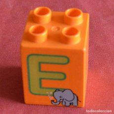 Jeux construction - Lego: BLOQUE - 2 X 2 X 2 - NARANJA CON LETRA E ELEFANATE - LEGO DUPLO. Lote 241961515