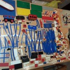 Juegos construcción - Lego: LEGO AÑOS 70 MEGA LOTE PIEZAS Y CATÁLOGOS ,TREN FUNCIONANDO, VER TODAS LAS FOTOS.. Lote 246149290