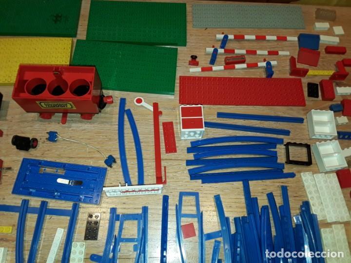Juegos construcción - Lego: Lego años 70 mega lote piezas y catálogos ,tren funcionando, ver todas las fotos. - Foto 3 - 246149290