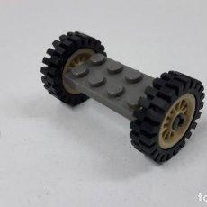Juegos construcción - Lego: EJE CON DOS RUEDAS ORIGINAL DE LEGO. Lote 260868235