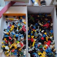 Juegos construcción - Lego: LOTE DE CIENTOS DE MINIFIGURAS ORIGINALES LEGO. GRAN CANTIDAD DE ACCESORIOS. Lote 261322780