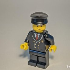 Juegos construcción - Lego: AIRPORT BLACK PILOT 7894 - LEGO CITY LEGO MINIFIGURE - AIR022. Lote 269270298