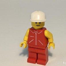 Juegos construcción - Lego: MAN RED JACKET W/ ZIPPER 6539 - LEGO CLASSIC TOWN LEGO MINIFIGURE - JRED002. Lote 271643653