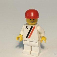 """Juegos construcción - Lego: MAN WHITE """"S"""" SHIRT 6539 - LEGO CLASSIC TOWN LEGO MINIFIGURE - S008. Lote 271644473"""