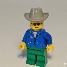 Juegos construcción - Lego: MAN BLUE JACKET W/ COWBOY HAT 3309 - LEGO CLASSIC TOWN LEGO MINIFIGURE - JBL006. Lote 271652133
