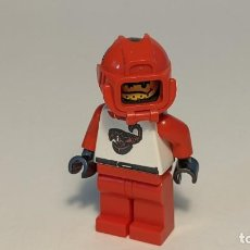 Juegos construcción - Lego: RACE DRIVER SHIRT W/ SCORPION 6602 - LEGO CLASSIC TOWN LEGO MINIFIGURE - TWN009. Lote 271653248