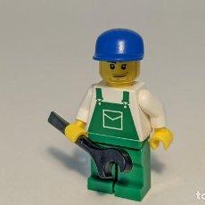 Juegos construcción - Lego: MECHANIC GREEN SHIRT W/ BLUE CAP 7641 - LEGO CITY LEGO MINIFIGURE - OVR037. Lote 271654738