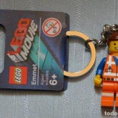 Juegos construcción - Lego: LLAVERO LEGO 850894 FIGURA DE EMMET (THE MOVIE / LA PELÍCULA). NUEVO!!. SUELTO, CON ETIQUETAS.. Lote 277086198