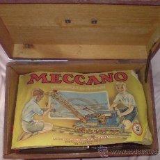 Juegos construcción - Meccano: GRAN CAJA DE MADERA CON PIEZAS MECCANO. INCLUYE TRES FOLLETOS DE INSTRUCCIONES. Lote 32445806