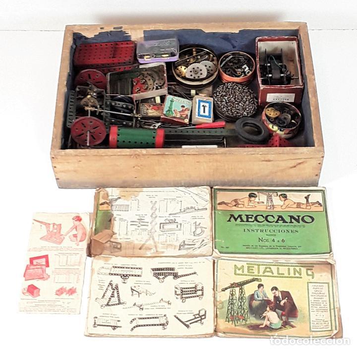 CAJA CON PIEZAS DE MECCANO CON GRAN CANTIDAD DE PIEZAS. METAL. FRANCIA. CIRCA 1920. (Juguetes - Construcción - Meccano)