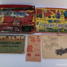 Juegos construcción - Meccano: LOTE DOS ANTIGUAS CAJAS DE MECCANO Y CATALOGOS. Lote 112879995