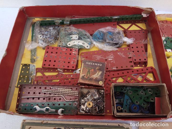 Juegos construcción - Meccano: LOTE DOS ANTIGUAS CAJAS DE MECCANO Y CATALOGOS - Foto 2 - 112879995