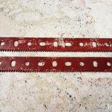 Juegos construcción - Meccano: ORIGINALES MECCANO PARTE Nº 110A - LOTE 2 TIRAS CREMALLERA LARGA. 16,5 CM MADE FRANCE. Lote 117657315