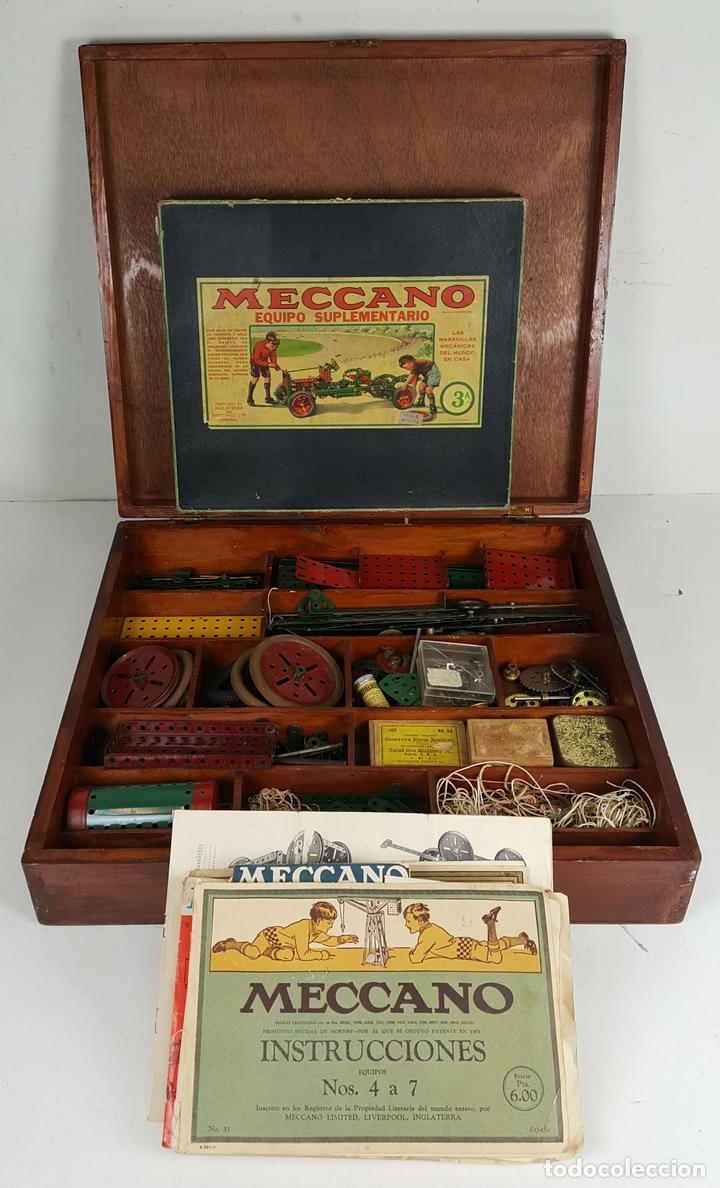 MECCANO. CAJA CON INFINIDAD DE PIEZAS. CAJA EQUIPO SUPLEMENTARIO 3A. CIRCA 1960. (Juguetes - Construcción - Meccano)