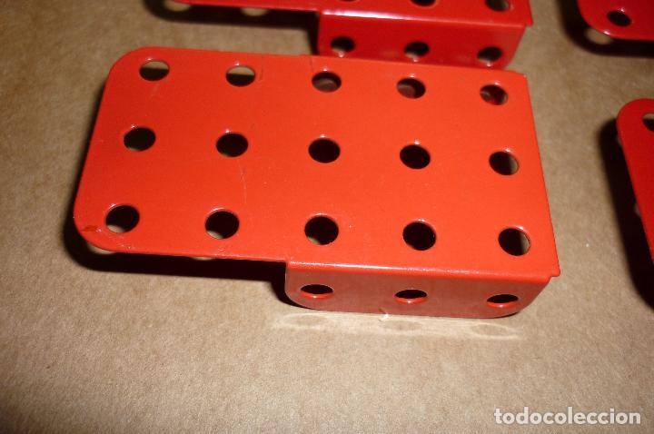 Juegos construcción - Meccano: Meccano parte nº 51a-e-f. Lote 16 piezas placas dobladas diversas.. - Foto 4 - 122128355