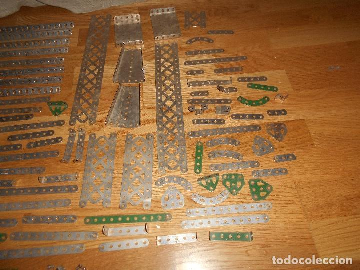 Juegos construcción - Meccano: Caja de carton Accesorios Meccano ruedas flejes turcas ruedas etc años 50 - Foto 8 - 122442999