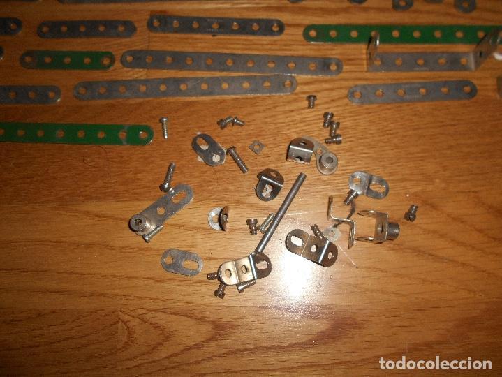 Juegos construcción - Meccano: Caja de carton Accesorios Meccano ruedas flejes turcas ruedas etc años 50 - Foto 9 - 122442999