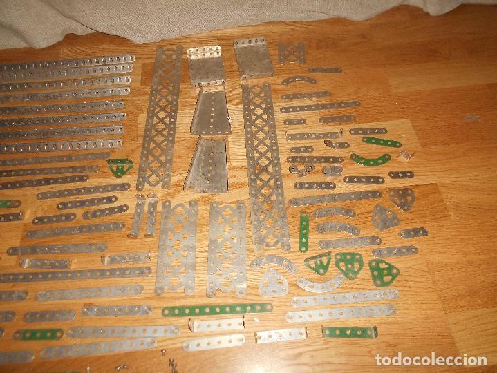 Juegos construcción - Meccano: Caja de carton Accesorios Meccano ruedas flejes turcas ruedas etc años 50 - Foto 11 - 122442999