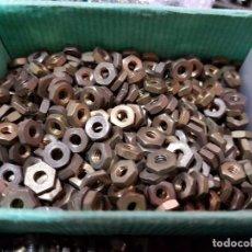 Juegos construcción - Meccano: 100 TUERCAS HEXAGONALES MARKLIN COMPATIBLES CON MECCANO AÑOS 50. Lote 130991576