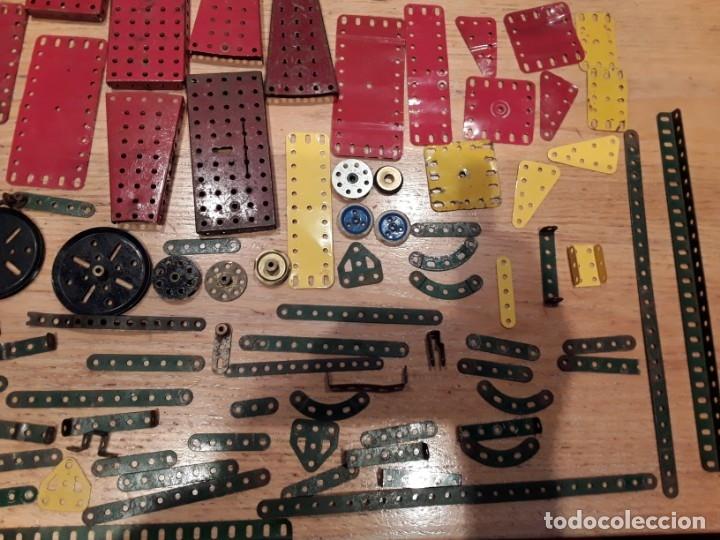 Juegos construcción - Meccano: Meccano lote piezas , instrucciones etc, antiguo. - Foto 5 - 145683110