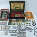 Juegos construcción - Meccano: MECCANO EN CAJA 2A, INTRUCCIONES CON CAJAS METALICAS CON TORNILLOS Y PIEZAS METALICAS. TODO LO QUE S. Lote 159964434