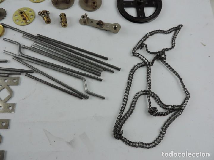 Juegos construcción - Meccano: MECCANO EN CAJA 2A, INTRUCCIONES CON CAJAS METALICAS CON TORNILLOS Y PIEZAS METALICAS. TODO LO QUE S - Foto 7 - 159964434