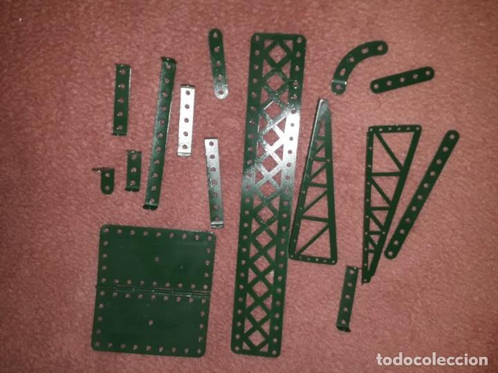 Juegos construcción - Meccano: Caja con piezas restauradas de meccano - Foto 2 - 190832796
