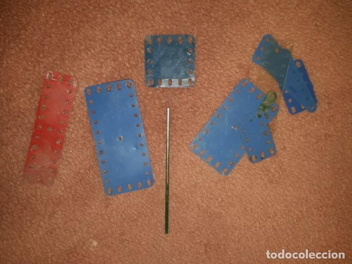 Juegos construcción - Meccano: Caja de meccano con piezas restauradas y sin restaurar por falta de tiempo, es el de las fotos - Foto 4 - 190832796