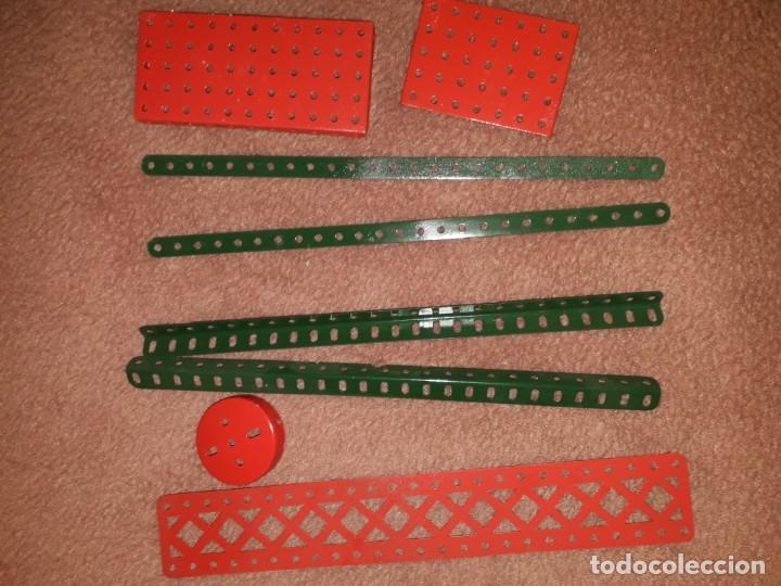 Juegos construcción - Meccano: Caja con piezas restauradas de meccano - Foto 4 - 190832796