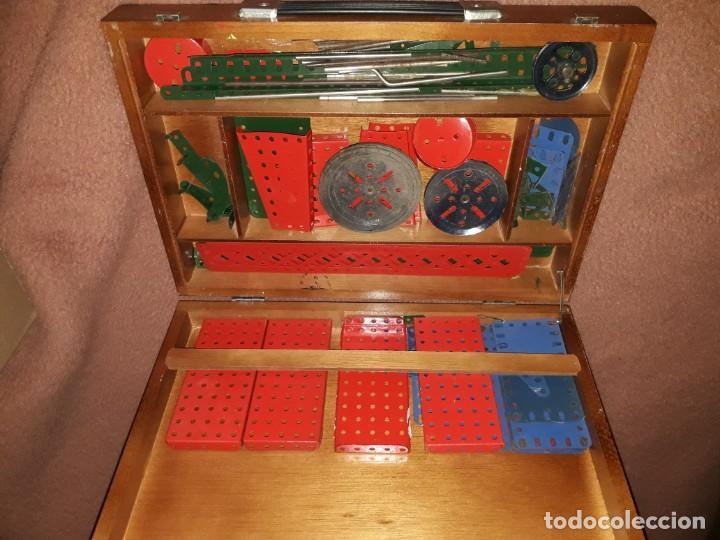 Juegos construcción - Meccano: Caja de meccano con piezas restauradas y sin restaurar por falta de tiempo, es el de las fotos - Foto 8 - 190832796