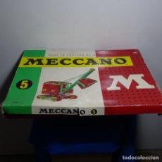 Juegos construcción - Meccano: CAJA CON ACCESORIOS Y PIEZAS MECCANO ANTIGUO. CON LIBROS 2,3,4,5,6.VER FOTOS.. Lote 199162201