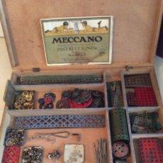 Juegos construcción - Meccano: MECCANO EN CAJA DE MADERA CON MÁS DE 300/400 PIEZAS ORIGINALES CON MANUAL DE INSTRUCCIONES. Lote 207399443