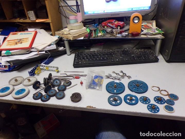 Juegos construcción - Meccano: gran lote piezas meccano , ruedas llaves etc - Foto 2 - 220405501
