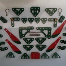 Juegos construcción - Meccano: INTERESANTE LOTE DE PIEZAS ORIGINAL MECCANO NUEVAS. Lote 242894335