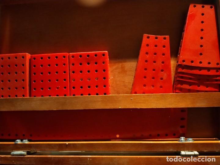 Juegos construcción - Meccano: Caja con piezas restauradas de meccano - Foto 8 - 190832796