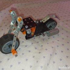 Juegos construcción - Meccano: MOTO JUGUETE MECANNO. Lote 254285965