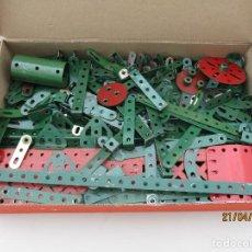 Juegos construcción - Meccano: MECCANO ANTIGUO CASI 4 KILOS MEJOR VER FOTOS. Lote 257535065