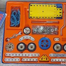 Juegos construcción - Meccano: ANTIGUO JUEGO DE MECCANO - CAJA 3 - COMO SE VE EN LAS FOTOGRAFIAS - CON MANUAL DE INTRODUCCIÓN E INS. Lote 263771020