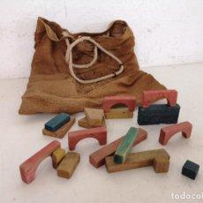 Juegos construcción - Meccano: ANTIGUO JUEGO DE CONSTRUCCIÓN DE MADERA, CON SACO. Lote 276370568