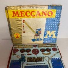 Juegos construcción - Meccano: LOTE ANTIGUAS PIEZAS Y CAJA MECCANO 2 1968 FRANCIA PARIS. Lote 278391473