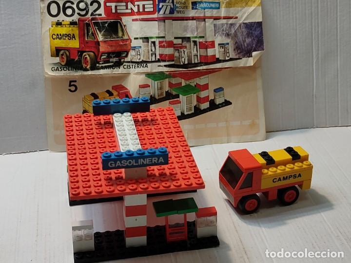 TENTE GASOLINERA Y CAMIÓN CISTERNA REF.0692 CON INSTRUCCIONES (Juguetes - Construcción - Tente)