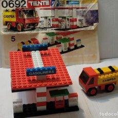 Juegos construcción - Tente: TENTE GASOLINERA Y CAMIÓN CISTERNA REF.0692 CON INSTRUCCIONES. Lote 272979993